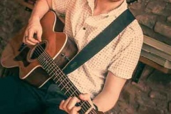 Acoustic-Ash-Solo-Acoustic-Guitarist-Hire-Bristol-and-Somerset-2