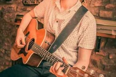 Acoustic-Ash-Solo-Acoustic-Guitarist-Hire-Bristol-and-Somerset-3