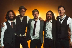 The-Quarters-Mumford-and-Sons-Festival-Style-Band-10