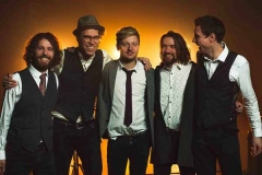 The-Quarters-Mumford-and-Sons-Festival-Style-Band-12