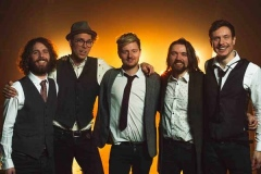 The-Quarters-Mumford-and-Sons-Festival-Style-Band-9