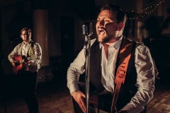 The-Southern-Sons-Mumford-and-Sons-Style-Festival-Wedding-Party-Band-Hire-11